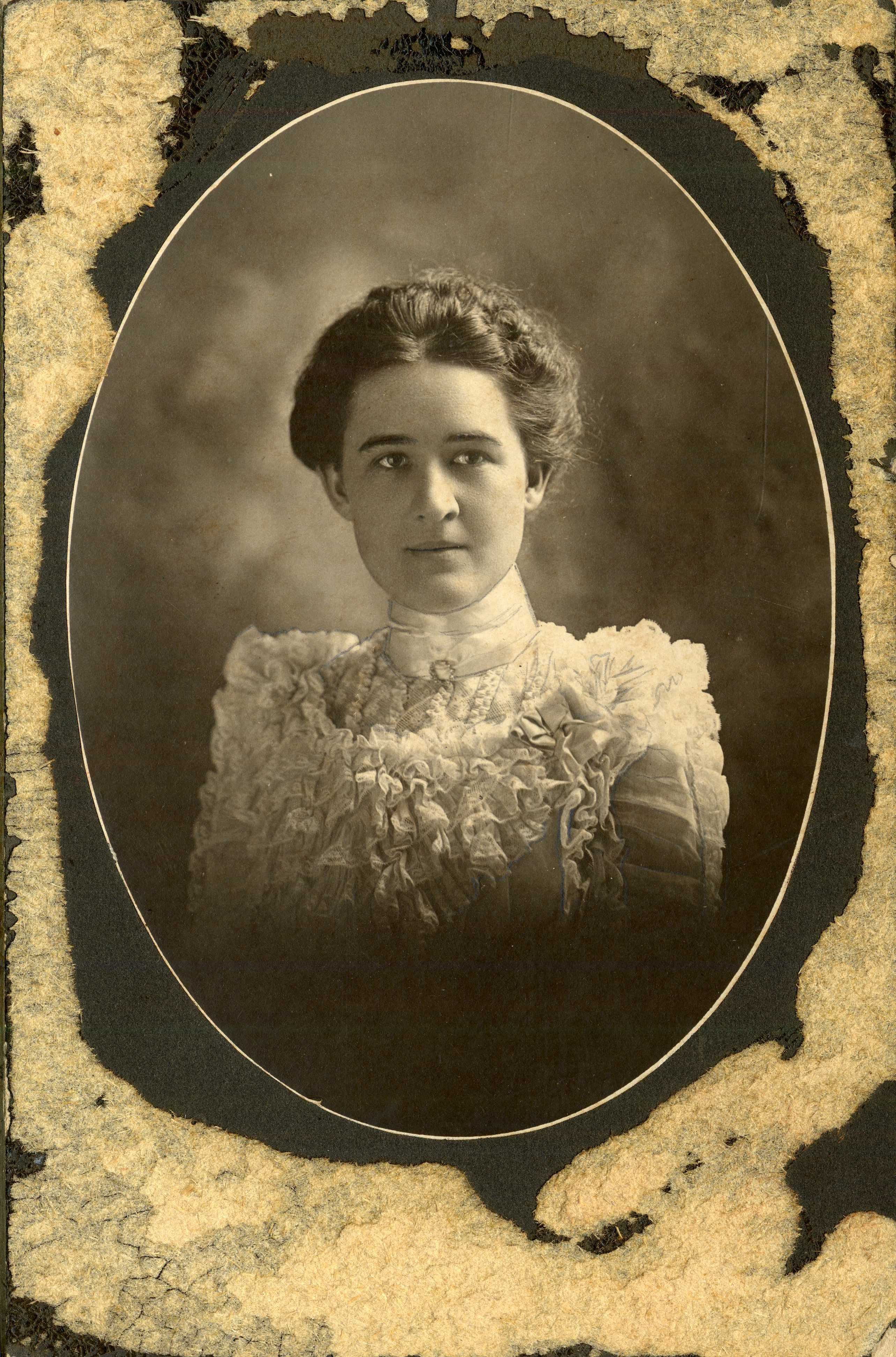 Daisy Scott Dismuke,c.1890