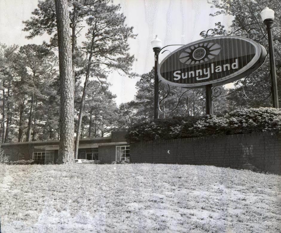 Sunnyland - 04-1975 04_website